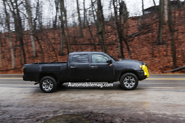 2016-toyota-tacoma-spied-4